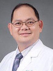 Rattinan Clinic - Dr Panot Yimcharoen