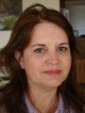 Taryn Laine Clinic -  Mia Henry - Aesthetic Beauty therapist