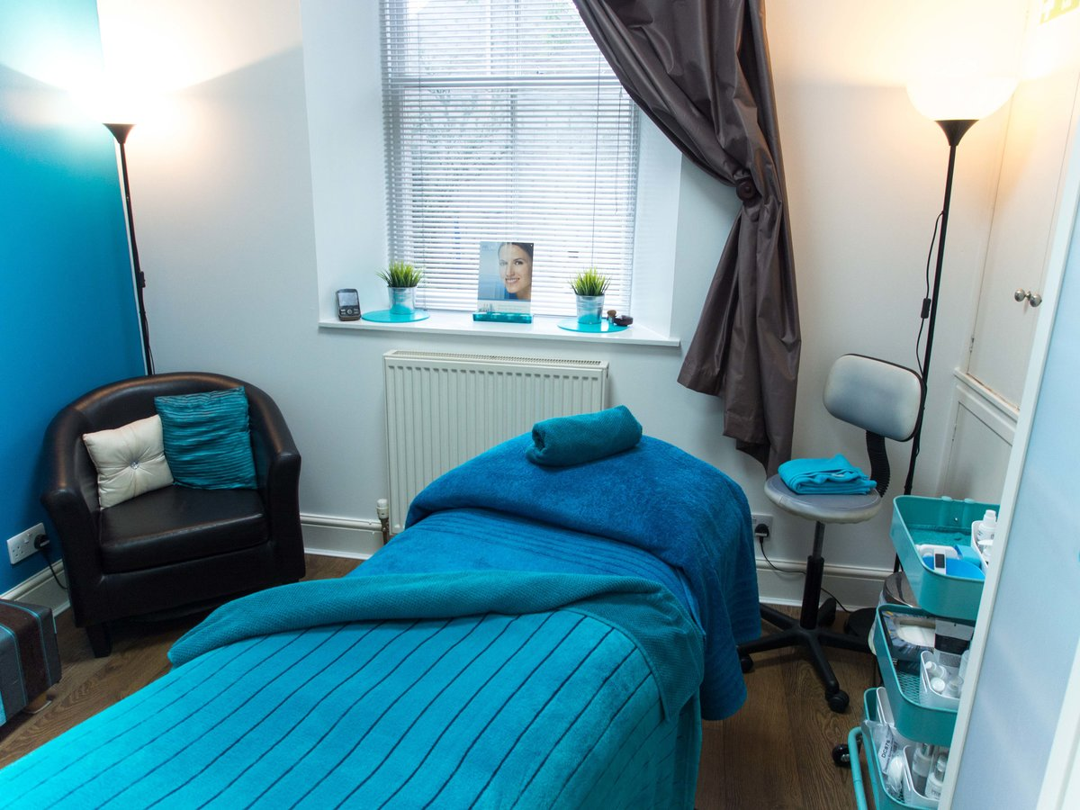 Definition skin and laser clinic private beauty salon in for Aberdeen beauty salon