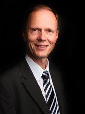 A.E.C.C Chiropractic Clinic - Haymo Thiel