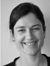 Hampstead Chiropractic Clinic - Nina Van Dyk