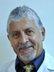Simply Dental - Dr EnriqueLopez Gaspar