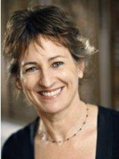 Dr Robert Goldman - Cairns - Ms Sandra Hudson