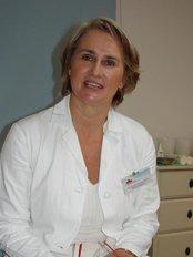 Laderma - Canadian Plastic Surgery in Prague. - Zuzana Cerna