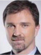 Dr. Viczián Csaba - Dr. Viczián Csaba
