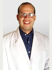 Dr Oriel Melo Mendoza-Hospital Clinic of Plastic Surgery - Calle