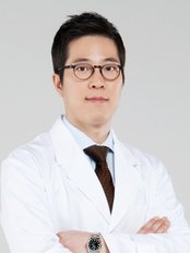 LIFE Plastic Surgery - Dr. Sewhan Rhee