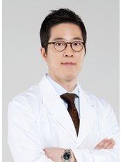 LIFE Plastic Surgery - Dr. Sewhan Rhee