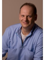 Hungary Dental Implant - Budapest - Dr Szabolcs Mayer MOM MSc. (Master in Implantology and Oral Medicine)