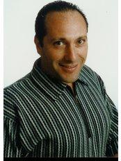 Enhancing your smile with dentist Dr. Jaime Cohen - dr. Jaime Cohen.Clinic   Coordinator.