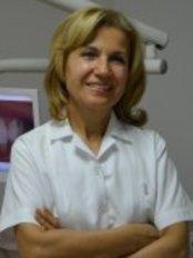 Dentist Zümrüt Demir - image1
