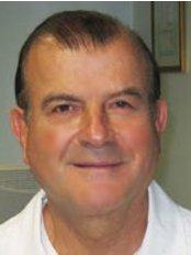 Istanbul Dental Center - Prof. Dr. Peker Sandalli