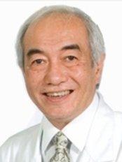 ACES Eye Clinic - Cebu - Dr Reuben Rama Aquino