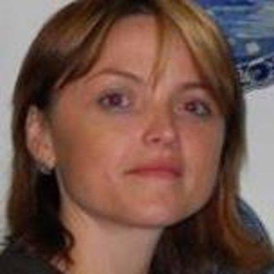 Dr <b>Oana Rosin</b> - oanarosin.jpg?width=400&height=400&background-color=0xffffff&operation=pad&float-x=0.5&float-y=0