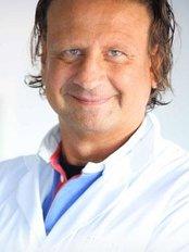 Elite Hair Clinic - image1