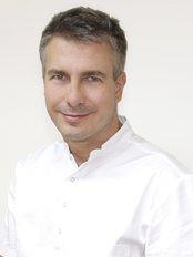 MDental Clinic Hungary - Dr Zoltan Kovacs